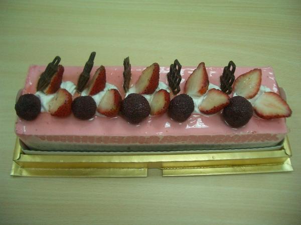 四位美女送的草莓蛋糕02