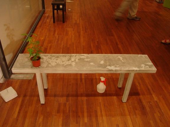 水泥凳上面做部分不透水處理