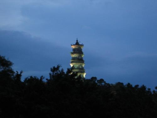 惠州的小西湖之寶塔山light up~