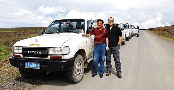 和高大哥前往珠峰的路上.jpg