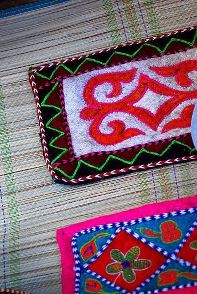 圖瓦繡品墊子2.jpg