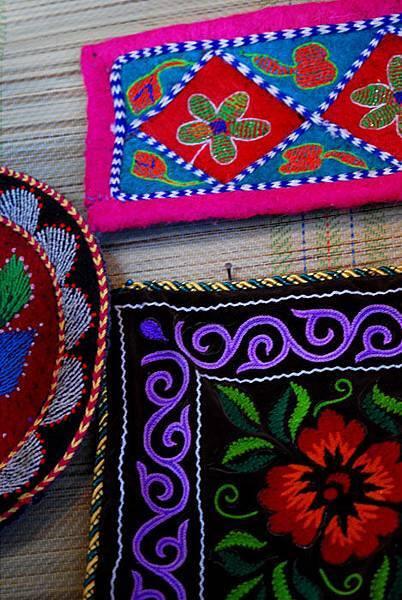 圖瓦繡品墊子3.jpg