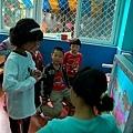 0506蘭蘭開始學手語.jpg
