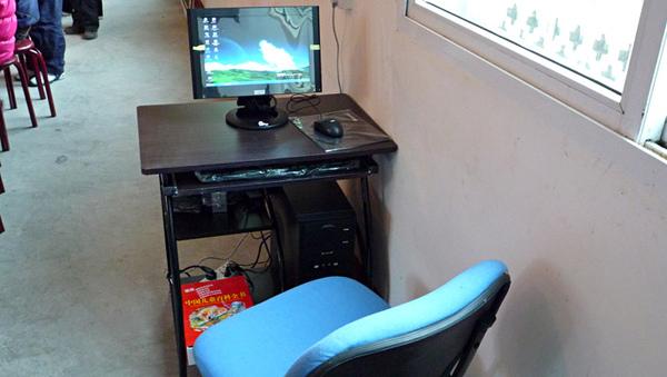 1104圖書室配置的電腦.JPG