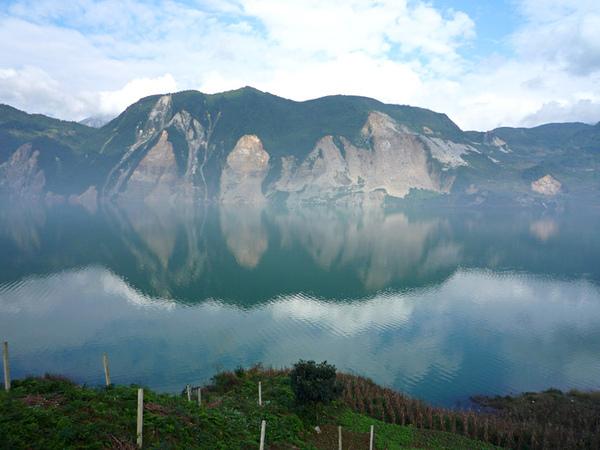 1031堰塞湖.jpg