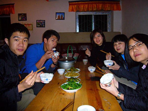18在表哥家的第一餐.jpg