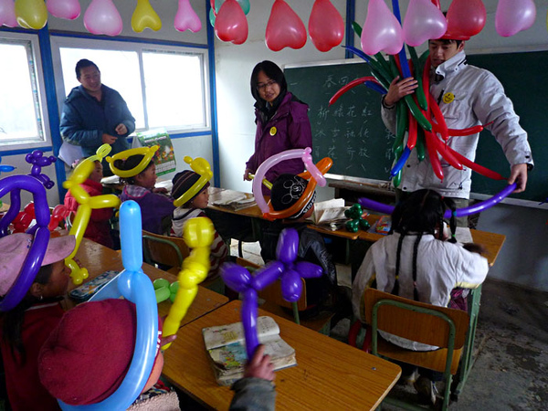 107怡馪負責的氣球造型課程.jpg