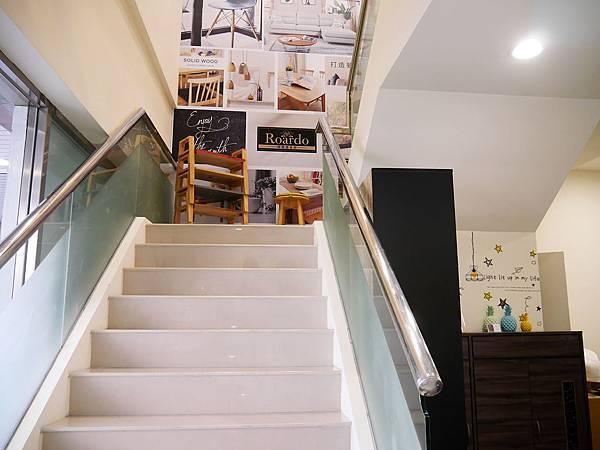 多瓦娜家居_2F樓梯_142532.jpg