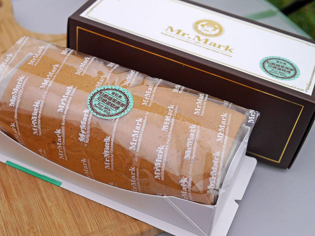 馬可先生_伯爵茶蘋果燕麥豆漿蛋糕捲_154002.JPG