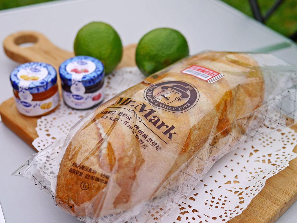 馬可先生_蜂蜜檸檬雜糧麵包_161501.JPG