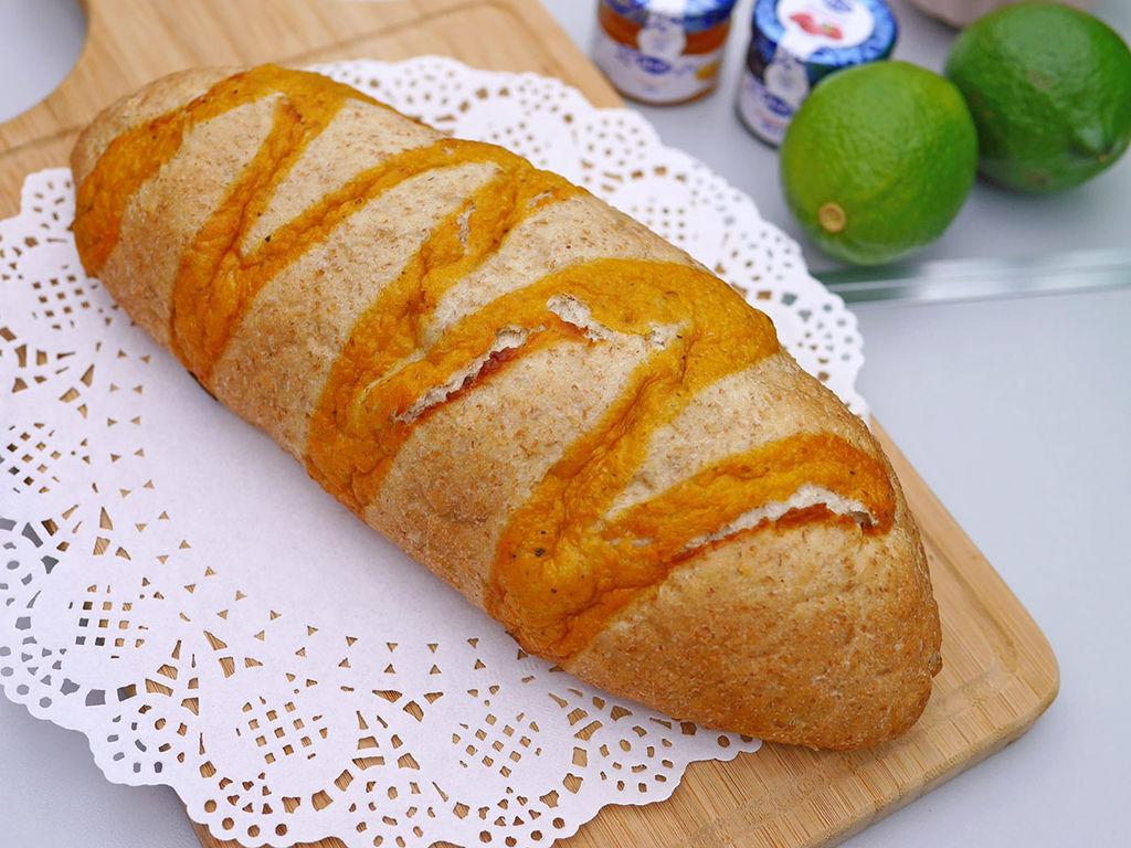 馬可先生_蜂蜜檸檬雜糧麵包_161659.JPG