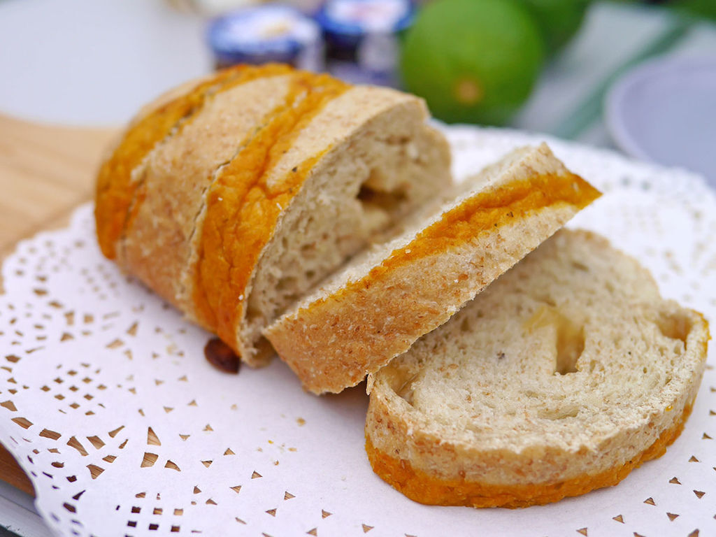 馬可先生_蜂蜜檸檬雜糧麵包_162042.JPG