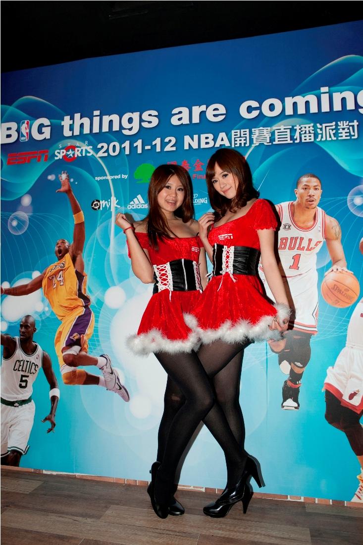 ESPN聖誕女郎在NBA直播派對陪伴球迷過聖誕.jpg