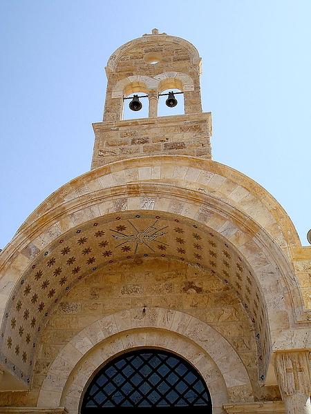 約旦河畔的一間教堂。
