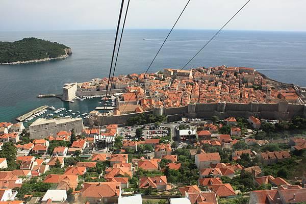 乘坐纜車到Dubrovnik的山上