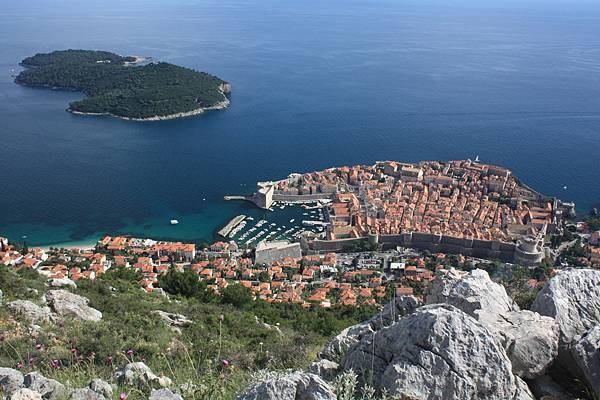 號稱亞德里亞海之珠的Dubrovnik。
