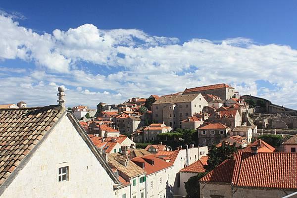來Dubrovnik一定要爬上城牆繞一圈。景色真的很漂亮。
