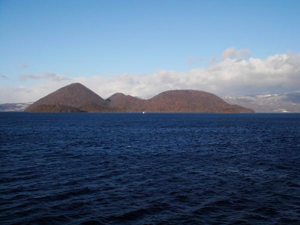 洞爺湖的中島和饅頭島等小島