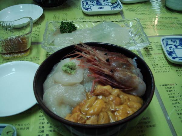 函館朝市裡的一餐