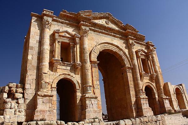 Jerash的羅馬時代的勝利門。