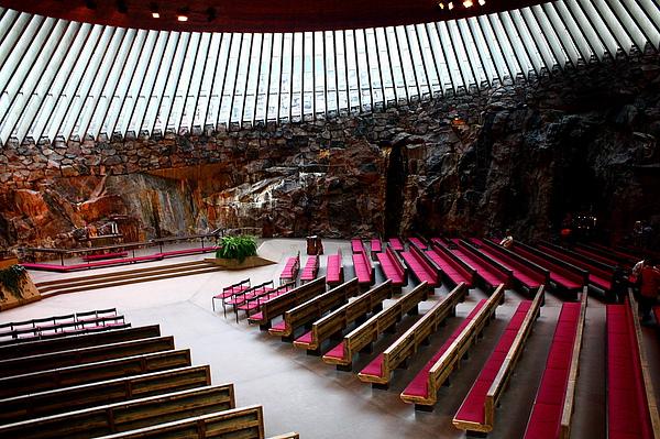 岩石教堂內部