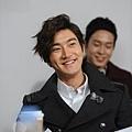 siwon-drama-filming-121129