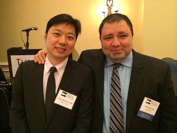 李佳融醫師(左)承襲西雅圖華盛頓大學喉科主任兼教授 Dr.Merati(右)在嗓音治療領域的專業.jpg