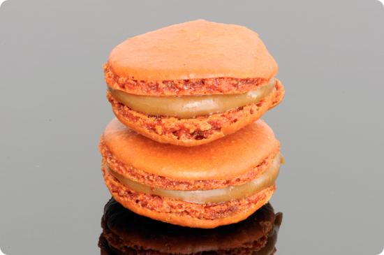 pain_de_sucre_caramel_macaron_1.jpg