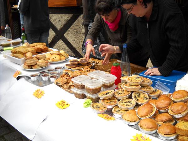 gateaux et cakes sales aux c癡pes.JPG