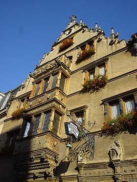 令人驚豔的Maison des Tetes頭屋