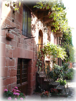 Collonges La Rouge純樸的紅色石牆