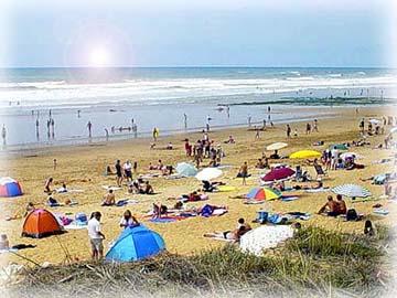充滿游客的大西洋海岸~Sauveterre海灘