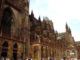 大教堂的一側