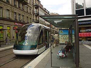 Strasbourg舒適摩登的「地面輕軌運輸」電車