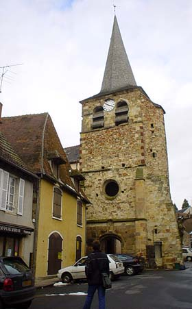 十一世紀的St-Sauveur鐘樓