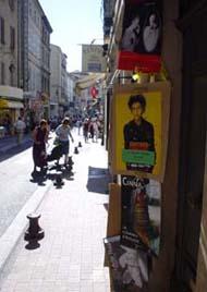 七月的Avignon國際戲劇節的海報,貼滿了城中每個角落