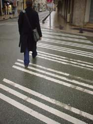 昂熱跟其他法國城市長的不同的人行斑馬線