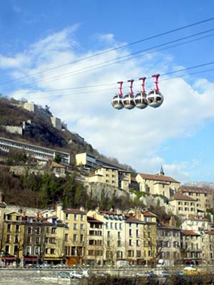 為冬季奧運會而生的圓形空中纜車