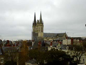 從城堡上遠眺昂熱城的Cathedrale St-Maurice教堂