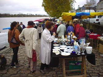 羅亞爾河畔的跳蚤市場.....Les Puces de Montsoreau