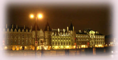 塞納河邊的燈火