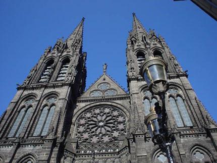 克雷蒙大教堂的玫瑰窗