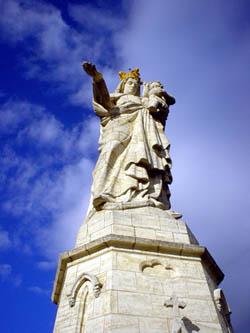 Monton的白色聖母像