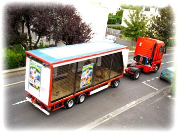 Cirque John BEAUTOUR馬戲團的獅子廣告車