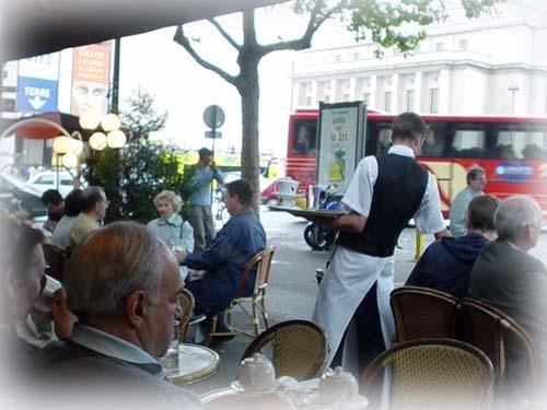 巴黎街頭一景