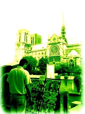 聖母院旁的書攤,尋找不再孤單的靈魂