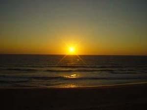 靜靜的獃在大西洋邊看夕陽緩緩下沉