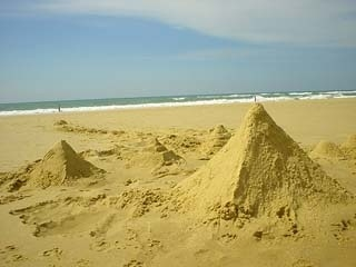 *{^_^}*~我們的沙雕金字塔