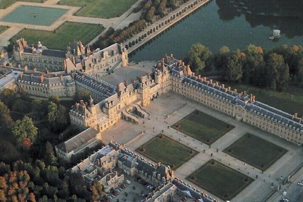 chateau-fontainebleau-air.jpg