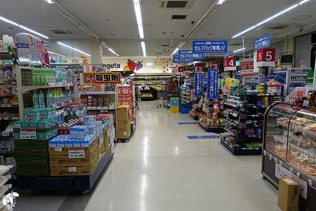 Azat Hotel飯店對面超市 (16)